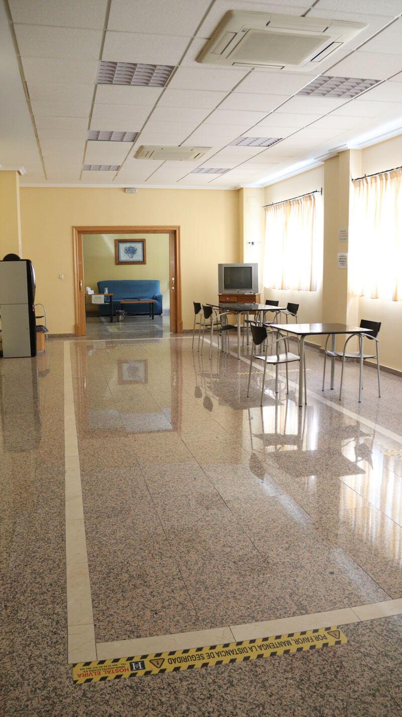 imagen 2 salon hostal Elvira Tarancón